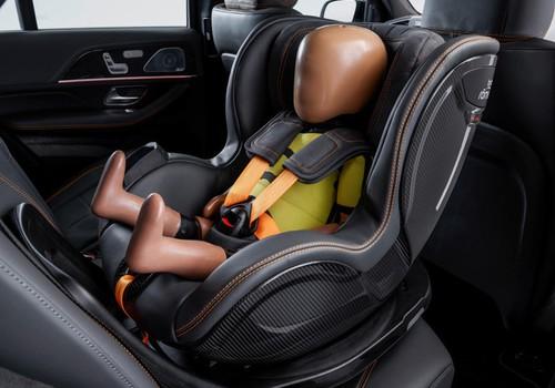 Teju katrs otrais bērns sēdeklītī nostiprināts nepilnīgi – kā parūpēties par mazā pasažiera drošību