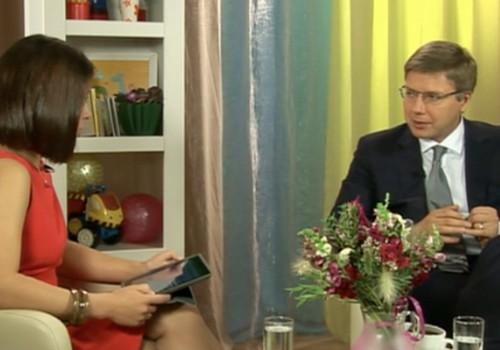ONLINE TV ieraksts: uz vecāku jautājumiem atbild Rīgas mērs Nils Ušakovs