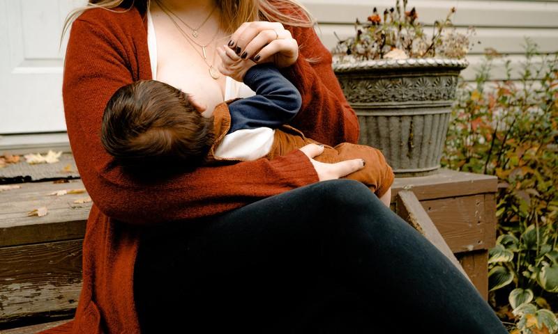 Dažādās krūts zīdīšanas pieredzes. Mammu stāstu 8. daļa