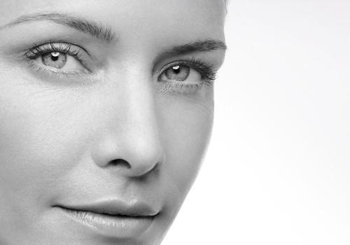 25 gadi būtu tas vecums, kad jāsāk veikt profilaktiski pasākumi, lai āda nenovecotu priekšlaicīgi!