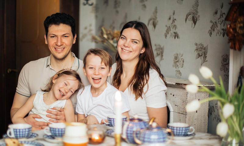 Ieteikumi, lai #PaliecMājās laiks ģimenei būtu vieglāks