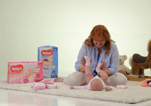 Ģērbjam aktīvu mazuli: VIDEOpadomi, kā uzvilkt krekliņu