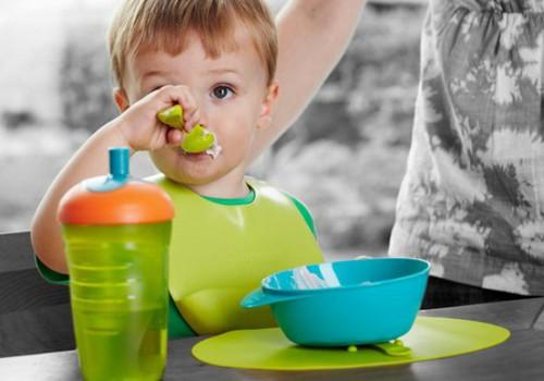 Vai Tavs mazulis prot ēst ar karoti?