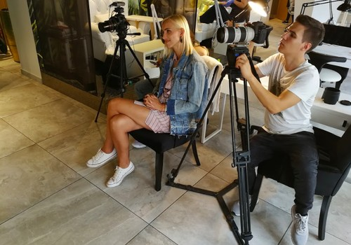 Tiekamies 19.maijā Māmiņu Kluba TV raidījumā. Lielajā intervijā - gleznotāja Kristīne Luīze Avotiņa