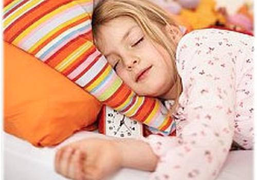 """Psiholoģe: """"Nekauniniet bērnu par čurāšanu gultā!"""""""