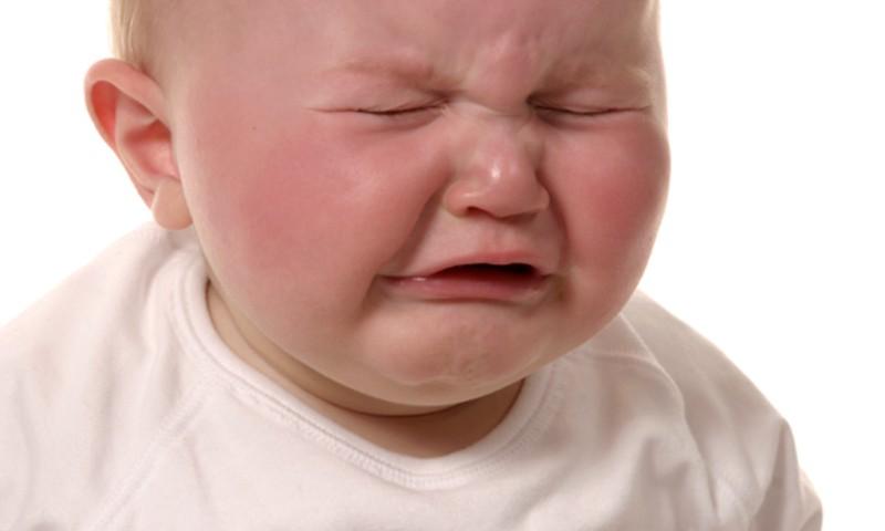 7 bērna raudāšanas iemesli