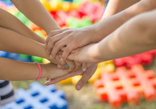 Fonds PLECS aptaujā vecākus par ģimenes attiecībām COVID-19 pandēmijas laikā