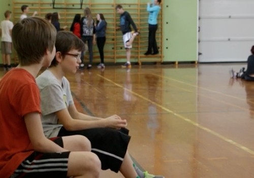 VIDEO: Kas vainīgs, tas bailīgs jeb Uzvedības noteikumu ievērošana sporta zālē
