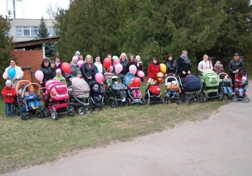 Šajā svētdienā, 22.maijā, Latvijā un Lietuvā notiks LIELĀ māmiņu pastaiga!