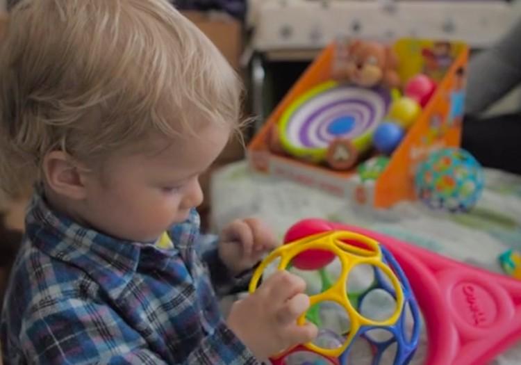 Kā izvēlēties attīstošās rotaļlietas?