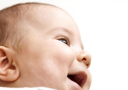 Uzzini visu par 5 mēnešus veca mazuļa ēdienkartes veidošanu