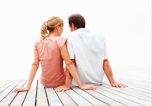 46% pilngadību sasniegušo Latvijas iedzīvotāju ir precējušies