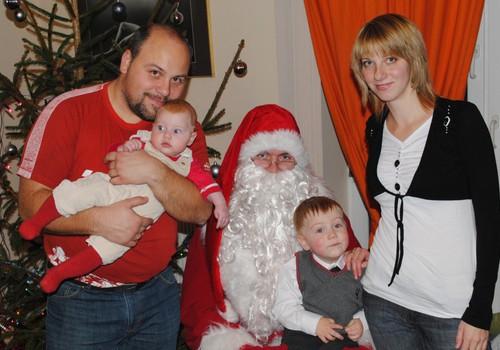 FOTOBLOGI: kā mums gāja Ziemassvētku eglītē Māmiņu Klubā