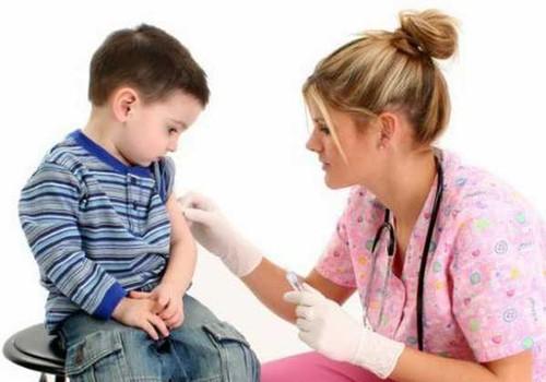 Iemesls, kāpēc eksperti iesaka vējbaku vakcīnu