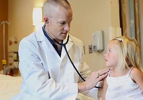 Bērnu slimnīca aicina vecākus izmantot augsti kvalificēto pediatru konsultācijas