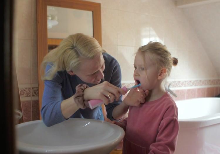 Māmiņu Klubs testē: Soniskās zobu birstes