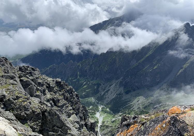 VASARAS GIDS: Tatru 2. augstākā virsotne - Lomnický štít