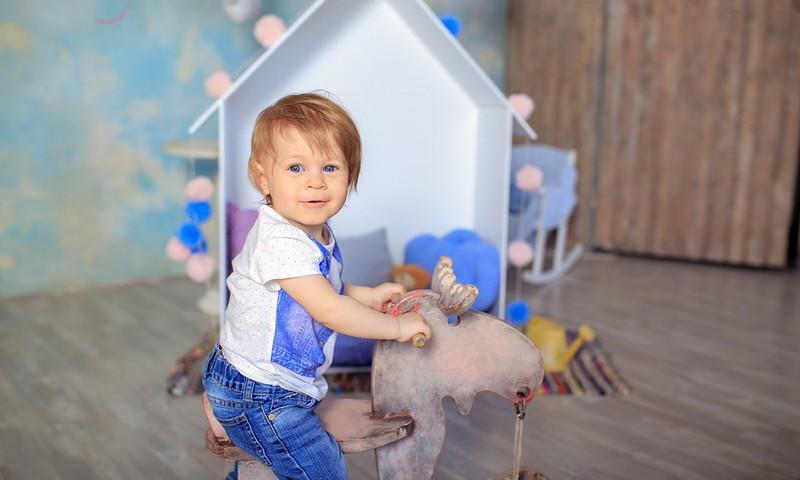 #PaliecMājās: 7 klusas rotaļas, kuras spēlēt, kad mājās kļuvis par skaļu