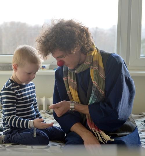 """Biedrība """"Dr.Klauns"""" svin 7. dzimšanas dienu un sāk jauno Dakteru Klaunu skolu"""
