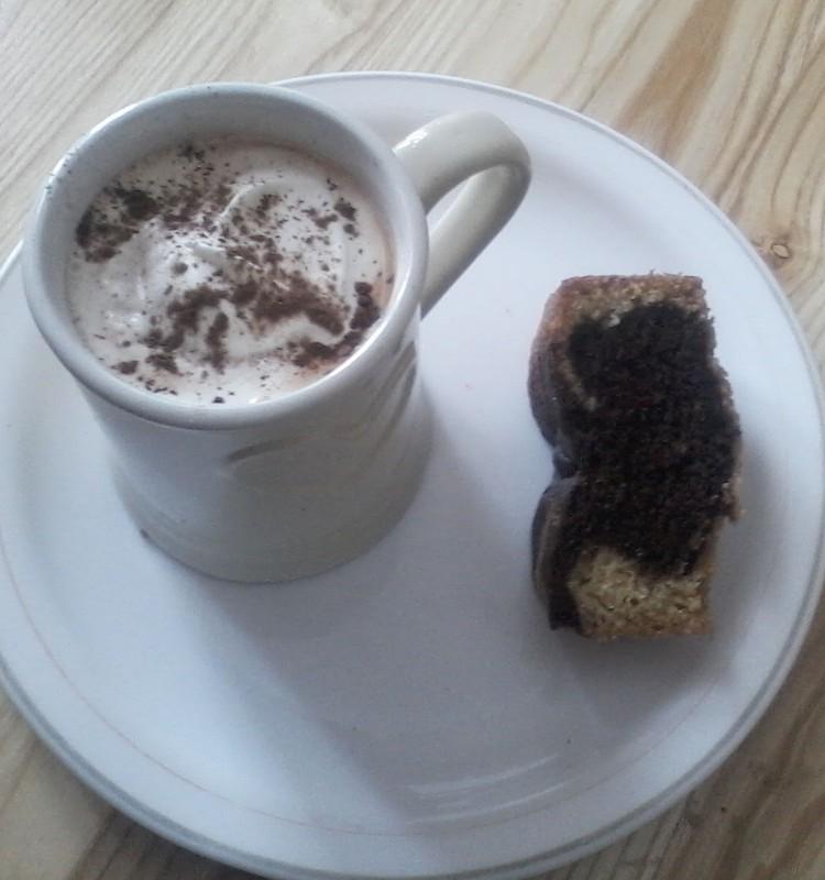 Ideāli šim ziemas periodam- Marmora kūka ar kakao dzērienu.