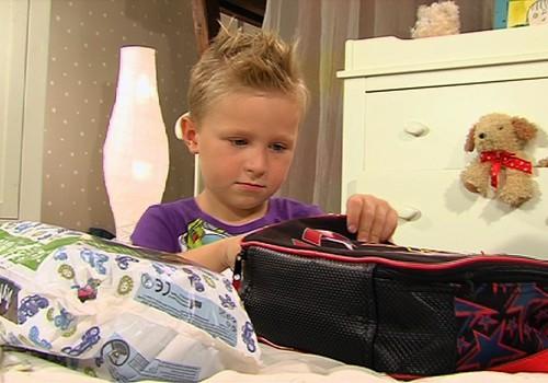 VIDEO: Ko darīt, ja bērniņš slapina gultiņā?