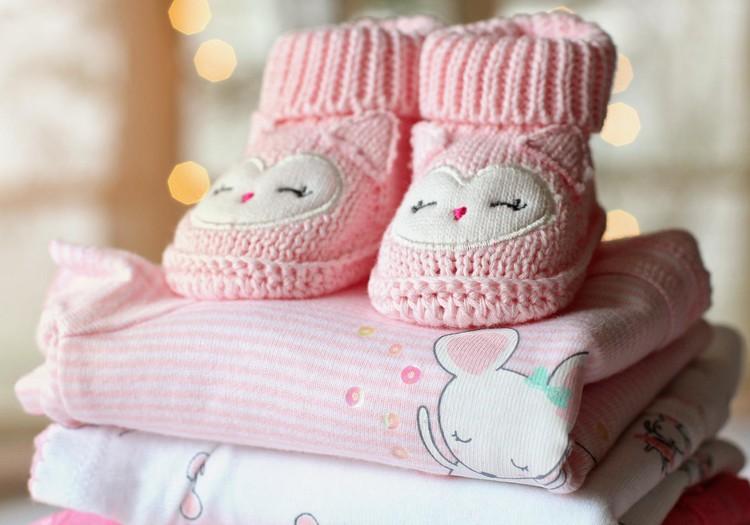 Rīgā plānots par 100 eiro palielināt pabalstu jaundzimušo bērnu vecākiem