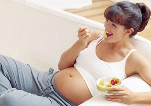 Vitamīni un folskābe grūtniecības laikā