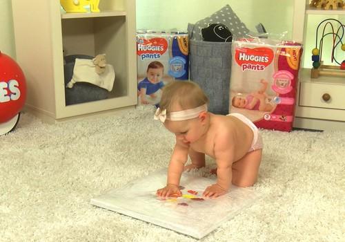 """Skaties VIDEO """"Huggies Rotaļzemes"""" sērijā """"Bērns glezno"""""""