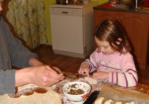 Mīļākā dāvana dzimšanas dienā - pīrādziņi un ābolmaize