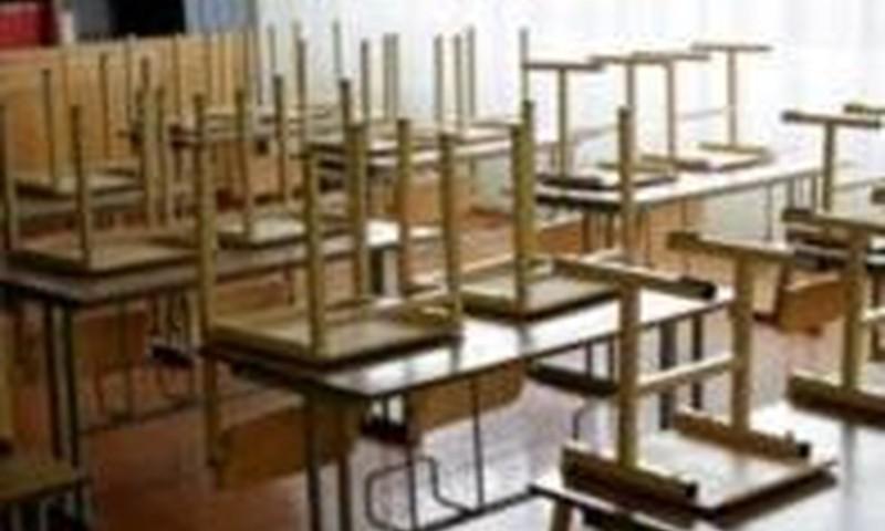 Visā Latvijā slēgs 52 skolas
