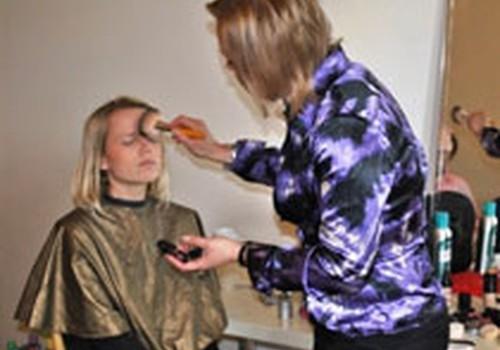 Kā pareizi uzklāt Make-up? FOTOREPORTĀŽA no Sieviešu Kluba kursiem!