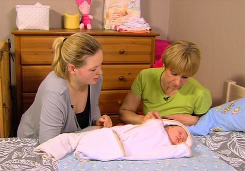 VIDEO Vecmāte steidz palīgā: Mārītes Inzules ieteikumi mazuļa ādas kopšanā