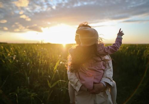 """Jauniešu psiholoģe: """"Būt par drosmīgu vecāku nav viegli"""""""