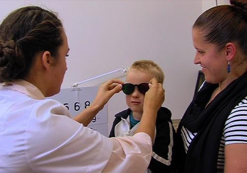 VIDEO: vedam mazos uz pārbaudi pie acu ārsta!