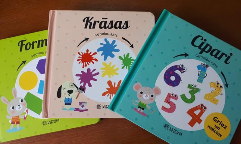 """Iznākušas interaktīvas grāmatas bērniem """"Krāsas"""", """"Formas"""", """"Cipari"""