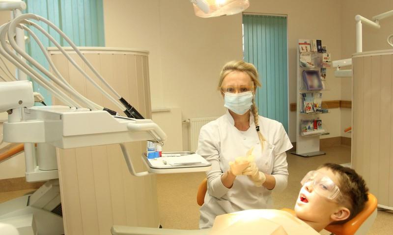 Pirmā vizīte pie zobārsta – kāda tā būs?