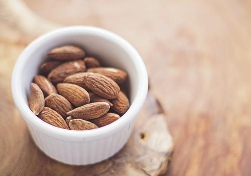 Starp ēdienreizēm gaidību laikā kārojas veselīgu uzkodu?