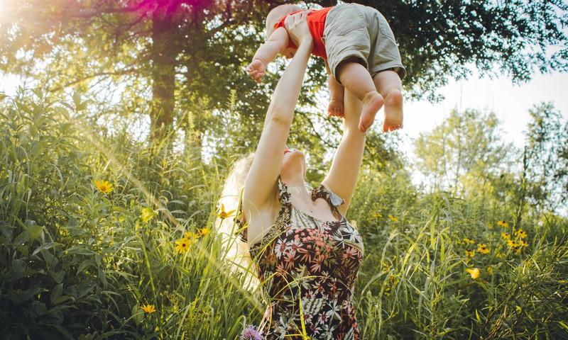 6 lietas, kuras vari mācīties no sava divgadnieka
