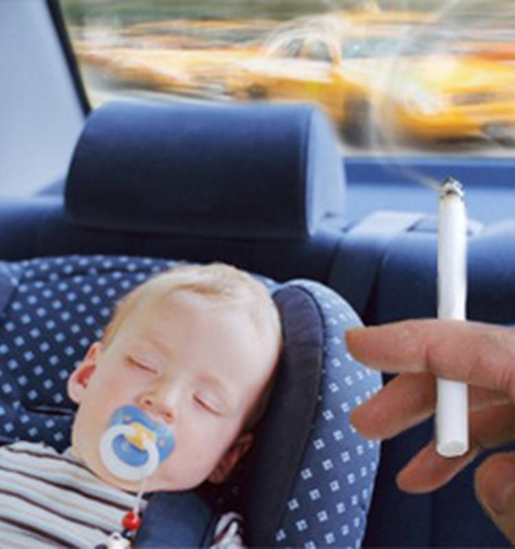 Cilvēktiesību komisija: smēķēšana bērnu klātbūtnē nav pieļaujama
