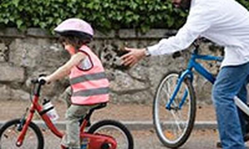 Braukšana ar velosipēdu. Ko tas dod bērna attīstībai?