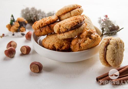 Auzu pārslu cepumi ar šokolādi vai zemesriekstu sviestu