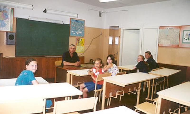 Rīgas domnieki nolemj likvidēt 16 skolas