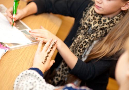 Kā veidot hennas zīmējumu. Padomi iesācējiem