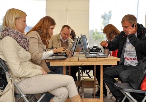 """""""Strādā jebkur!"""" dienas organizatori: pieaug elastīga darba nozīme darbinieku motivācijai un talantu piesaistei"""