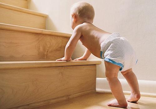 Parūpējies par bērna drošību mājās jau no pirmajām dienām! Apmeklē Māmiņu Kluba lekciju par drošību