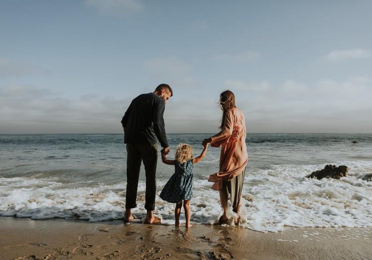 Kā būt sievietei, sievai un mammai vienlaicīgi?