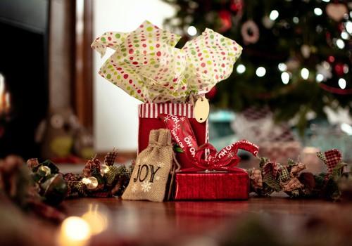 Iesaki DĀVANU idejas svētkiem un laimē dāvanu savam mazulim!