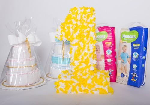 Elli un Itan, saņemiet savas pirmās dzimšanas dienu tortes MK!