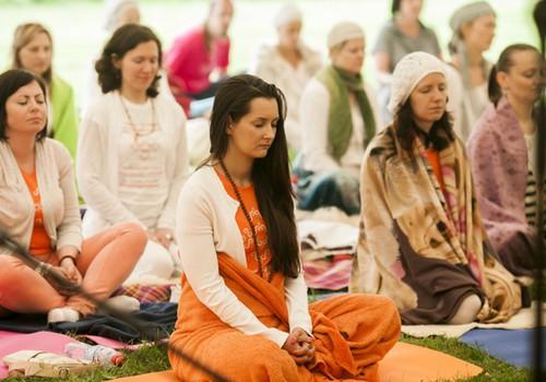 Biļetes uz jogas festivāla Alexia Chellun un Khalsa koncertu 20.jūnijā laimējusi..