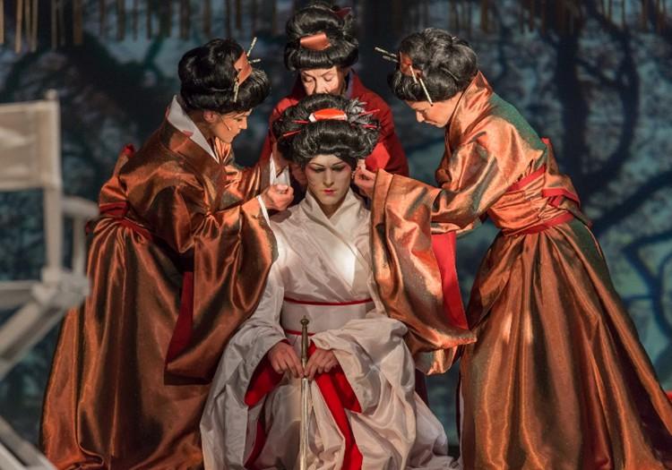 """Dailes teātrī notiks austrumnieciskas drāmas """"M.Butterfly"""" pirmizrāde"""
